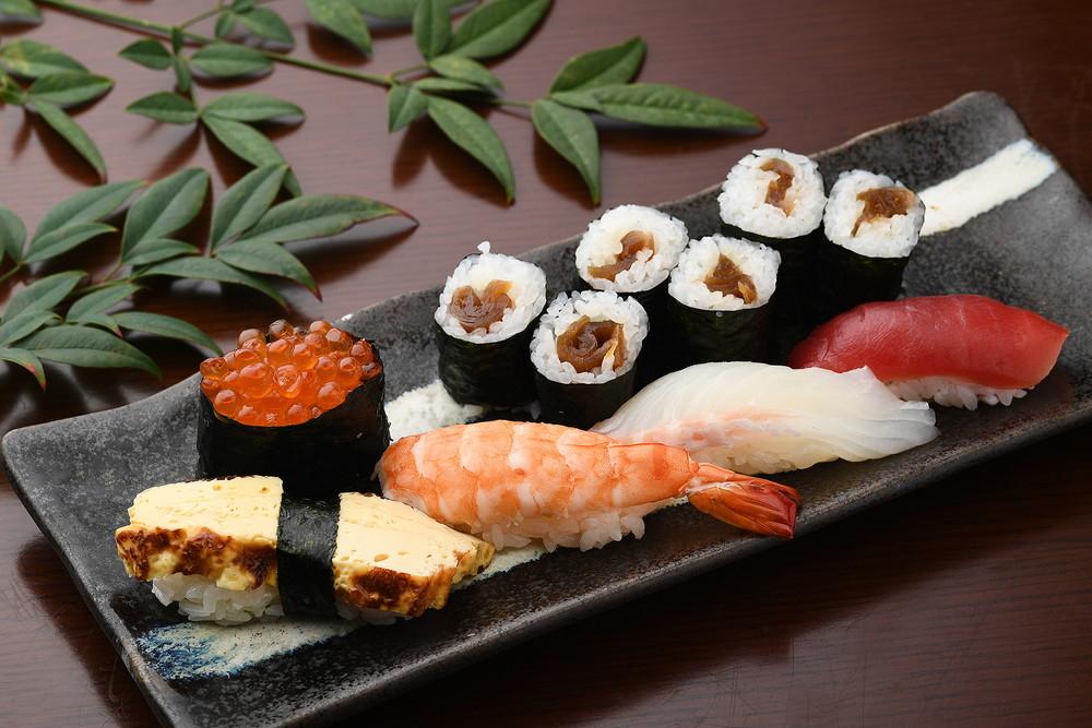 儿童握寿司